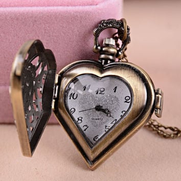 Gift Stylish Shiny Jewelry New Arrival Heart Watch Vintage Men Ladies Big Size Anime Necklace [6526578755]