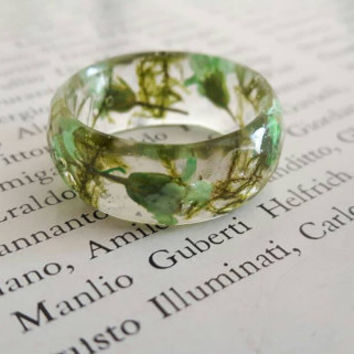 Resin ring with real flower, Pressed flower ring ,Terrarium ring, Real moss ring, nature ring , Botanical resin ring, Forest jewelry