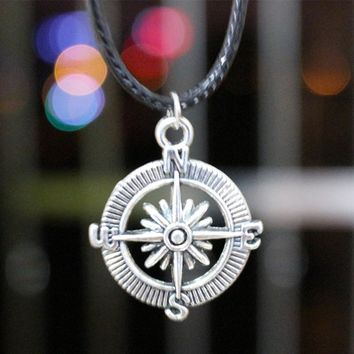 N859 Compass Pendant Necklaces Fashion Jewelry Collares Rope Chain Retro Necklace Bijoux Women Men