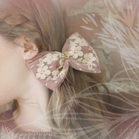 Supermarket: R e n d e z - v o u s . Large Lace Barrette Bow, Vintage Gold Indian Head from Noémiah