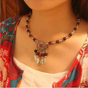 Nepal Tibetan ethnic hanging leaf collar necklace