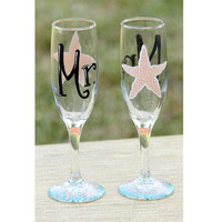 Mr. & Mrs. Champagne Glasses / Painted Toasting Flutes, Set of 2 for Bride and Groom