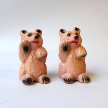 ON SALE Vintage 1960s miniature pink resin bear salt and pepper shakers