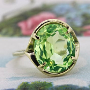 Vintage Uranium Glass Ring | 1950s Engagement Ring | Yellow Gold Statement Ring | Green Gemstone Ring | Mid Century Cocktail Ring | Size 7