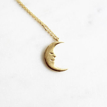 Luna Pendant Necklace