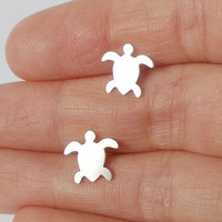 sterling silver sea turtle earring studs handmade in the UK