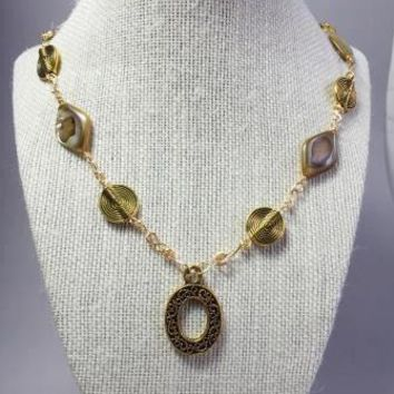 Gold mother pearl shell wire wrapping necklace