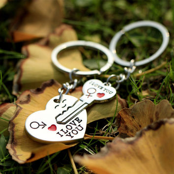LNRRABC 1 Pair Couple I LOVE YOU Letter Keychain Heart Key Ring Silver Color Lovers Love Key Chain  Valentine's Day gift