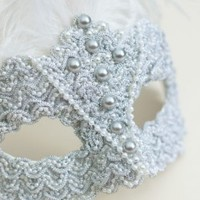 Unique Silver Pearl Baroque Feather Masquerade Mask - Masque Boutique - Masque Boutique