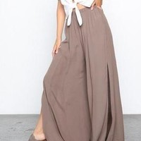 KATE HIGH WASTED FLOWY SIDE SLIT MOCHA PANTS