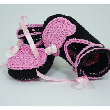 """Crochet Baby shoes, Baby shoes, Custom baby shoes, fashion baby shoes, baby accessories - Kitty's Inspiration in pink - Up to 12 cm (4.7"""")"""