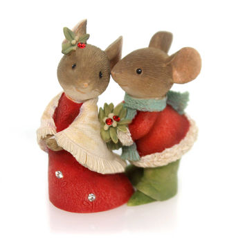Christmas Mouse Couple With Holly Christmas Figurine