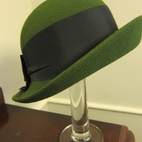 Vintage Green Wool Hat with Black Bow by MemphisNanney on Etsy