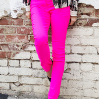 NEON FITTED PANT - Neon Fuchsia