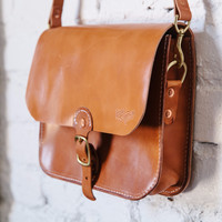 LOYAL STRICKLIN SADDLE BAG- RUSSET