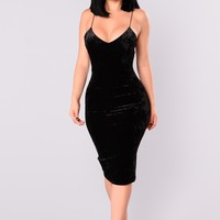 Denny Velvet Dress - Black