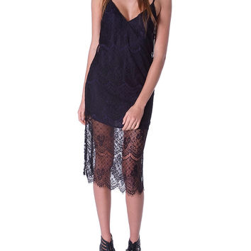 Socialite Lace Midi Dress Black