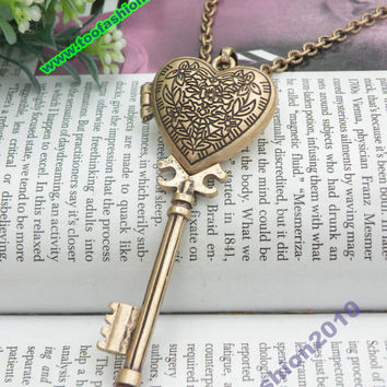 Pretty retro copper heart key locket pendant necklace vintage style