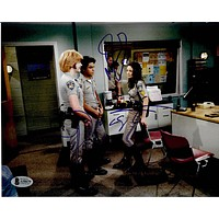 Danny Masterson, Mila Kunis and Wilmer Valderrama Autographed 'That 70's Show' Chips Episode 8x10 Photo Beckett A58670
