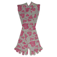 Hugs & Kisses Toe Mid Calf Socks in Pink and White