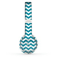 The Subtle Blue & White Chevron Pattern V2 Skin Set for the Beats by Dre Solo 2 Wireless Headphones