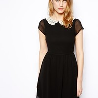 New Look Contrast Collar Tea Dress