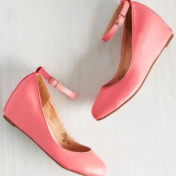 Take a Stride With Me Wedge in Flamingo | Mod Retro Vintage Heels | ModCloth.com