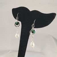 Teardrop pearl drop earrings, emerald green crystal accent, silver circle jewelry, bridal earrings, glass pearl jewelry, gifts for her