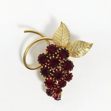 Grape Vine Cluster Red Rhinestone Brooch Crystal Prong Set Rhinestones Fruit Theme Jewelry Gold Tone Leaves Pin Vintage 1950s 1960s