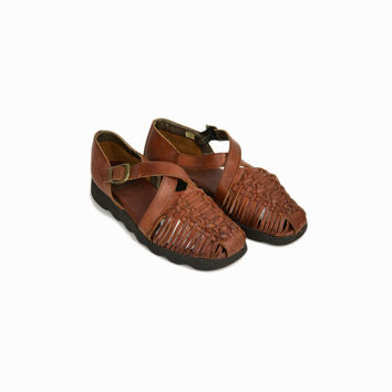 f07706082a67 Vintage 90s Woven Leather Shoes   Crossover Leather Huaraches Sa