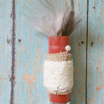 Feather Boutonniere / Affordable Wedding / Lace Shotgun Shell Boutonniere / Rustic Boutonniere / Country Chic Wedding / Bullet Boutonniere