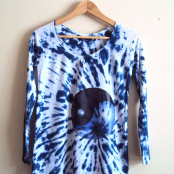 Indigo Ying Yang Top Women's Batic T-Shirt Tie Dye Top Long Sleeves Cotton Graphic Tee Yoga Fitness Running Everyday Top and Tees