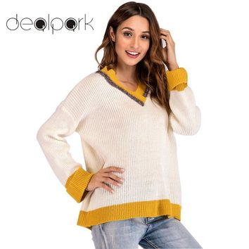 2018 Autumn Knitted Sweater Women Christmas Sweater Contrast Color V Neck Long Sleeve tunics Loose Jumper female Knitwear White