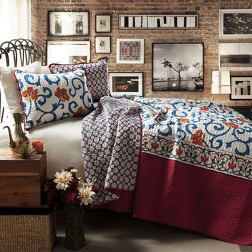 Lush Decor C24584P14-000 Scroll Flower Blue and Red Three-Piece Full/Queen Quilt Set