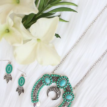 Silver Tone Turquoise Squash Blossom Necklace Set