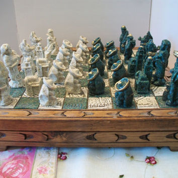 Vintage Aztec Calendar Chess Set Mexican