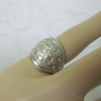 Engraved Sterling Hallmarked Dome Ring / Vintage / 6.2 Grams / Size 5 / Jewelry / Jewellery