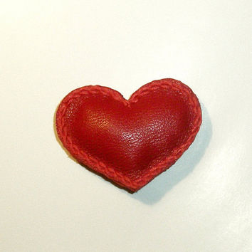 Heart Brooch Small Leather Heart Lapel Pin Miniature magnet Heart Valentine Brooch Valentine's Day Gift Wedding favors