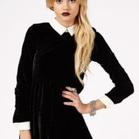 Missguided - Cassida Velvet Contrast Collar And Cuffs Skater Dress