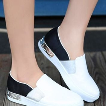White And Black Round Toe Flat Casual Ankle Shoes
