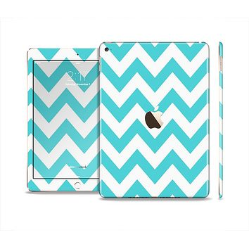 The Subtle Blue & White Chevron Pattern Skin Set for the Apple iPad Air 2
