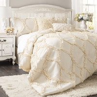 The Avery Hotel Collection Ruffle Comforter Bedding SET
