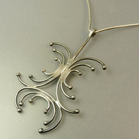 Modernist Sterling Silver Pendant Wire Collar Necklace