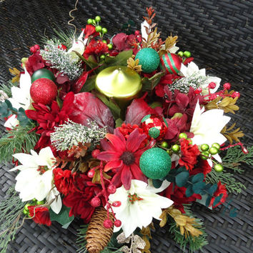 Christmas Floral Table Arrangement with Pillar Candle, Dinning Table Centerpiece,Christmas Arrangement, Christmas Dinning Table, Winter