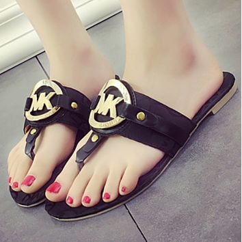 MK 2018 new wild wear tide flat fashion word support shoes flip-flops F0806-1 black