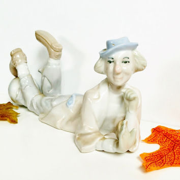 Porcelain Clown, Clown Laying Down, Clown Figurine, Price Products, Clown With Ball, Imitation Lladro, Collectible, China, Bisque, Vintage