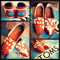 Custom painted Longhorn Toms. Designed and personalized just for you!
