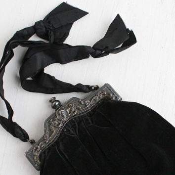 Antique Art Nouveau Edwardian Purse - Black Velvet Edwardian Early 1900s Silver Tone Frame with Flower & Gibson Girl Repousse Hand Bag