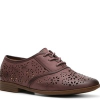 Restricted Biannca Oxford