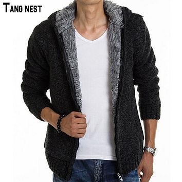 TANGNEST 2017 New Arrival Men's Fashion Solid Thick Warm Sweater Male Casual Hooded Winter Wear Fur Lining Sweater MZM179